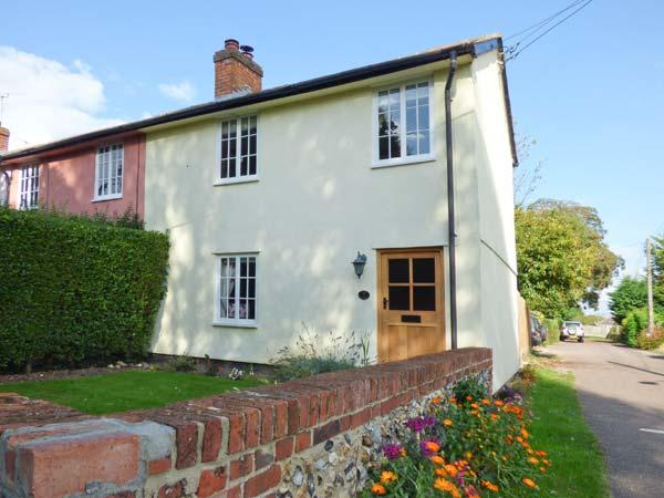 STOKE COTTAGE, open plan, enclosed garden, woodburner, WiFi, near Clare, Ref 915376 - Image 1 - Ridgewell - rentals