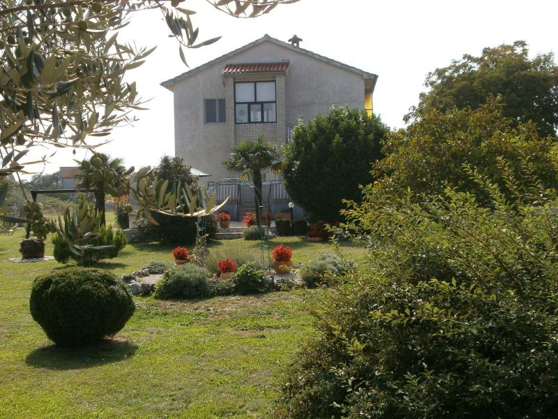 Apartment surrounded by Mediterranean vegetation - Image 1 - Rakalj - rentals