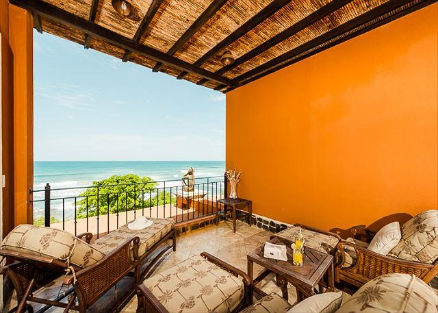 Elegant beachfront penthouse- oceanview from 2 balconies, a/c, pool, internet - Image 1 - Tamarindo - rentals
