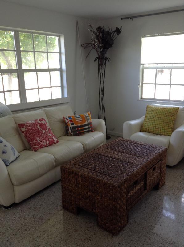 Downtown Fort Lauderdale FLATS: 2-bedroom/2-bath - Image 1 - Fort Lauderdale - rentals