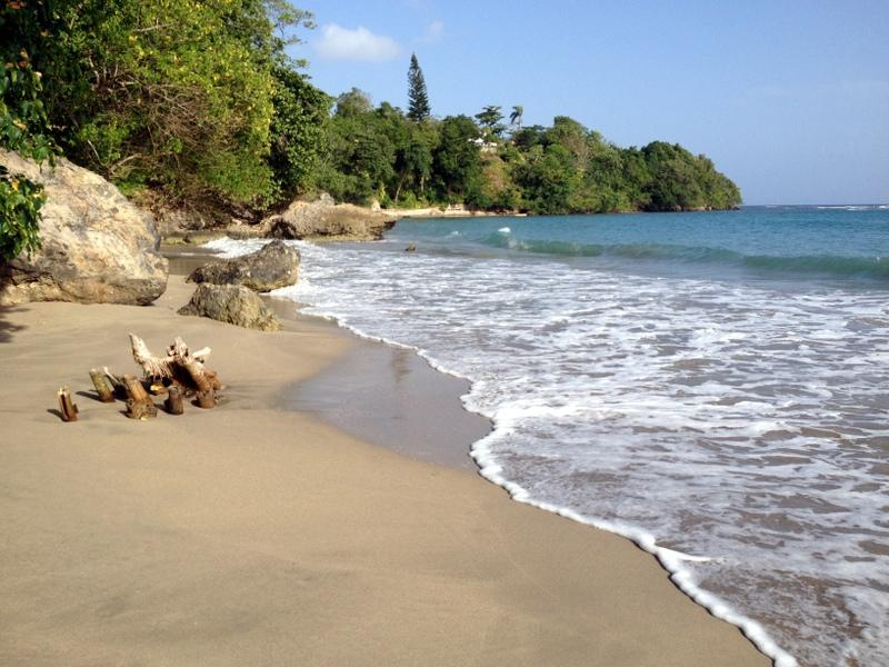local beach, 5 minute walk  - Eden Villa - walk to beach in 5 mins and free wif - Boscobel - rentals
