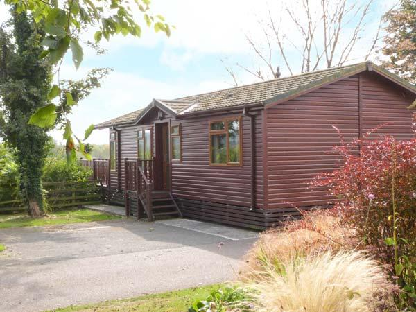 20 BORWICK HEIGHTS, lake views, en-suite facilities, child-friendly lodge near Carnforth, Ref. 916328 - Image 1 - Tewitfield - rentals