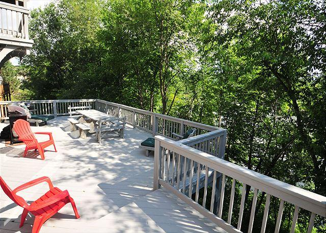 Deck2 - Lake Pointe Retreat - McHenry - rentals