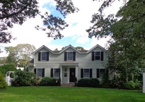 Perfectly situated in charming Osterville. A short walk to town and close to the beach. - 154 Scudder Rd - Osterville - rentals