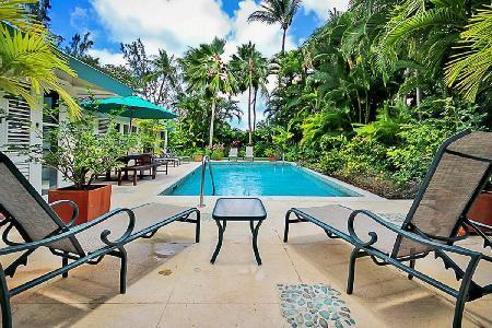 Jessamine short walk to superb beach at Gibbs Bay with lush garden, pool & staff - Image 1 - Gibbs Bay - rentals