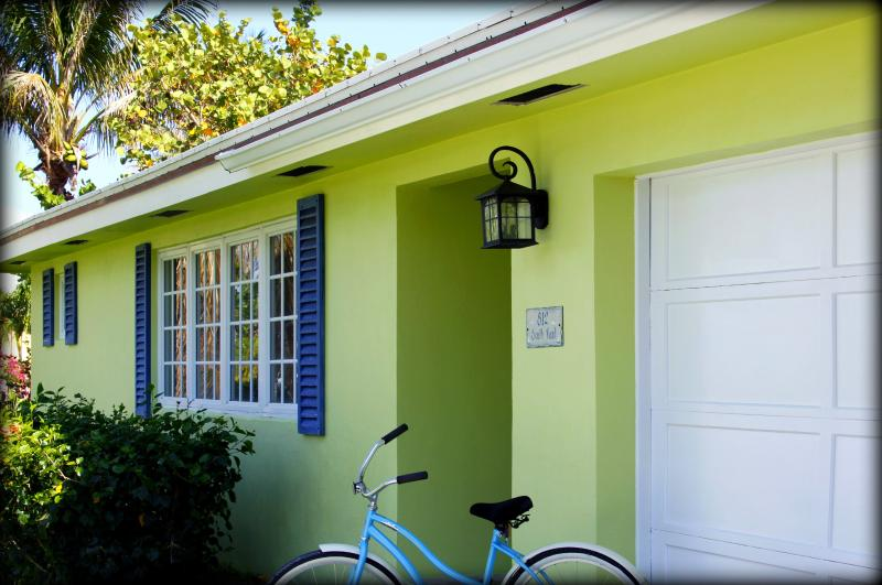 Front of Coastal Cottage - Peaceful Coastal Cottage Near Beach + Intracoastal - Boynton Beach - rentals