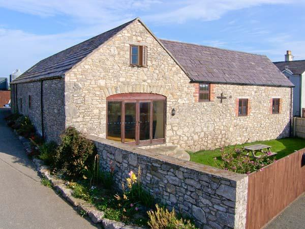 THE GRANARY, family friendly, country holiday cottage, with a garden in - Image 1 - Caerwys - rentals