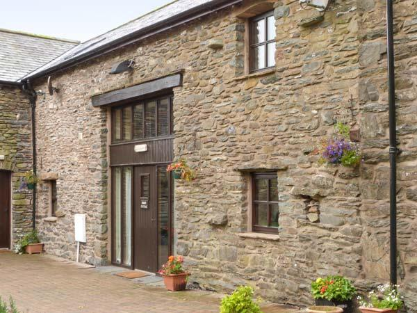 MOUNT COTTAGE, charming cottage on working farm, WiFi, beautiful scenery, great touring base, in Tebay, Ref. 915761 - Image 1 - Tebay - rentals
