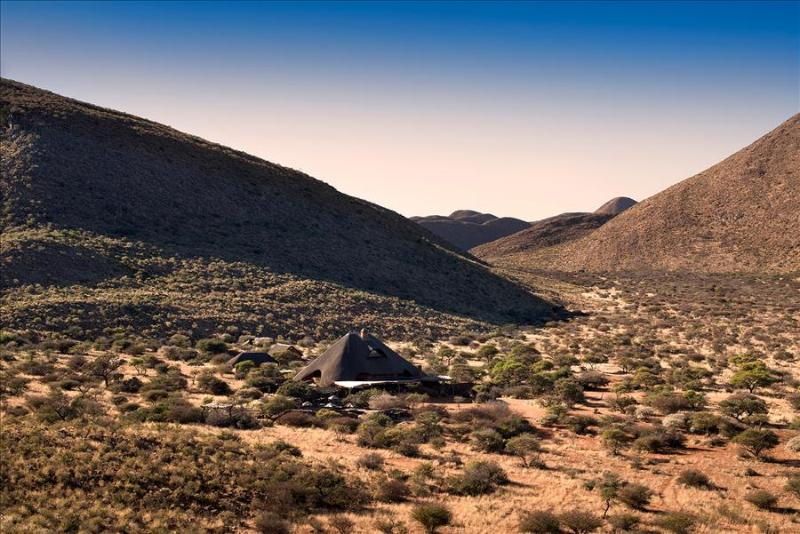 """Tarkuni"", a luxury Kalahari wildlife lodge in South Africa's largest private Game Reserve - Image 1 - Kuruman - rentals"