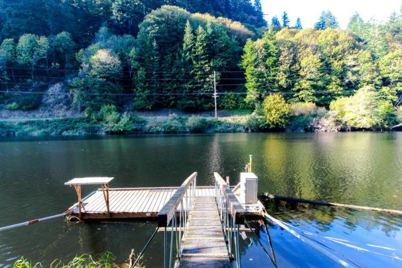 Recently remodeled home on the Alsea River w/ private dock! - Image 1 - Waldport - rentals