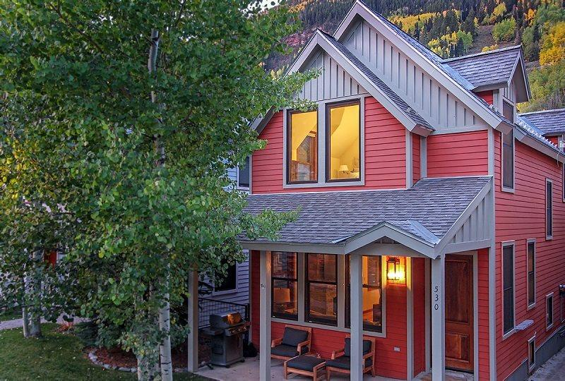 530 West Pacific - Newly remodeled town home with loads of charm - 530 West Pacific, Unit A - 3 Bd / 3.5 Ba - Sleeps 6 - Newly Remodeled Deluxe Townhome - Located Centrally Downtown Telluride - Telluride - rentals