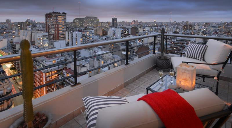 Balcony - TWO-STORY PENTHOUSE 3 BEDROOM/ 3.5 BATH (RP7) ! - Buenos Aires - rentals