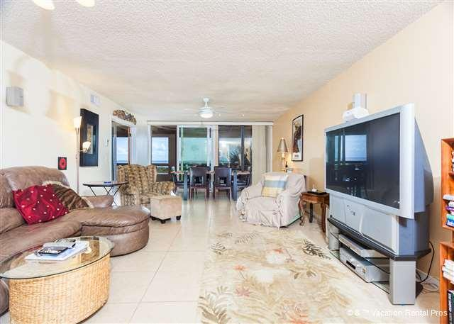 Hibiscus 202-B comfortably sleeps eight people - Hibiscus 202-B Ocean Front, 3rd floor, 3 bedrooms, 3 pools, HDTV - Saint Augustine - rentals
