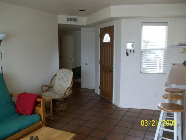 entry way from living room - 3840 Bayside Walk - San Diego - rentals