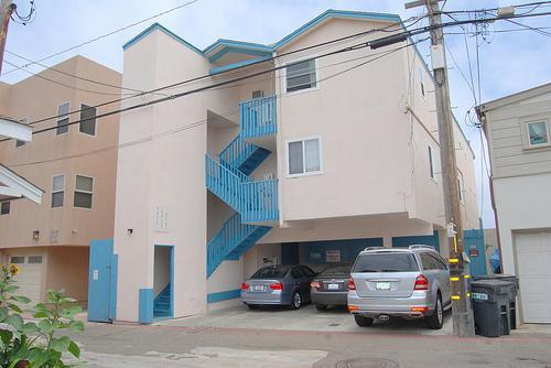 parking center carport - 3439 Bayside Walk - San Diego - rentals
