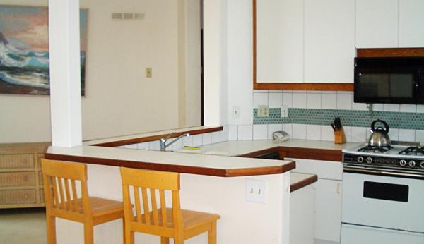 kitchen view 2 - 2721 Oceanfront Walk #3 - San Diego - rentals