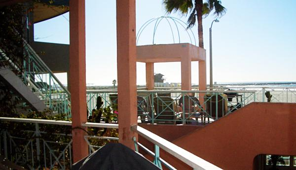 patio with ocean view - 2721 Oceanfront Walk #2 - San Diego - rentals