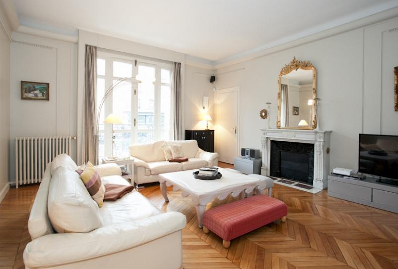 Apartment 6 people at Champs Elysées by Weekome.fr - Image 1 - Ile-de-France (Paris Region) - rentals