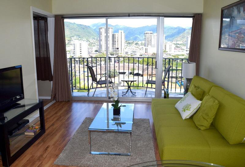 Living room - Best price in Waikiki! Free parking included. - Honolulu - rentals