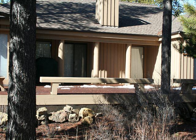 2 Cinder - Ski Specials Sunriver Condo with Flat Screen TV and Cable  Centrally Located - Sunriver - rentals