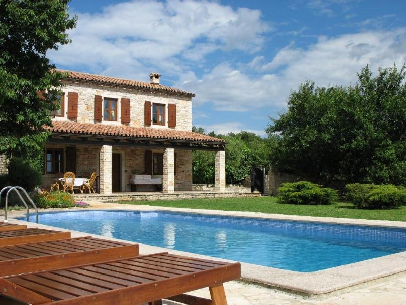 Stone villa with pool  tranquil location in Istria - Image 1 - Porec - rentals