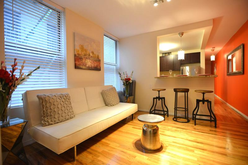 Lovely 2 Bedroom Apartment 15min Times Square - Image 1 - New York City - rentals