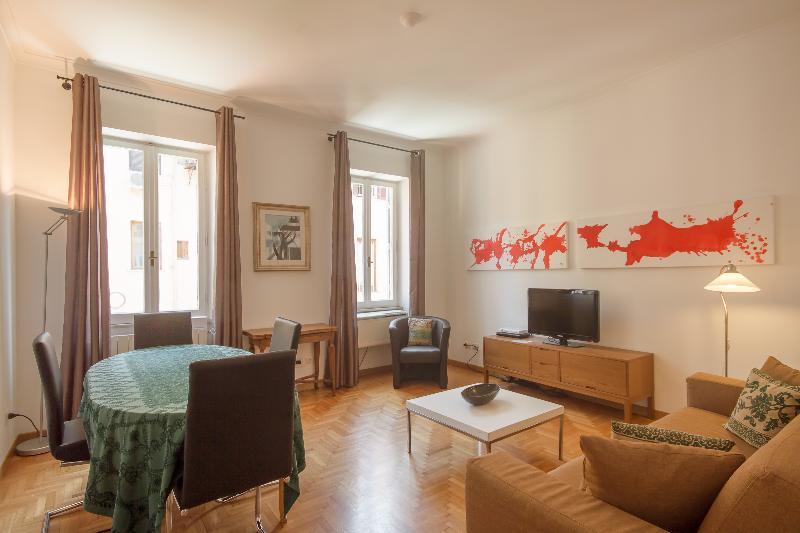 Rome Accommodation Condotti I - Image 1 - Rome - rentals
