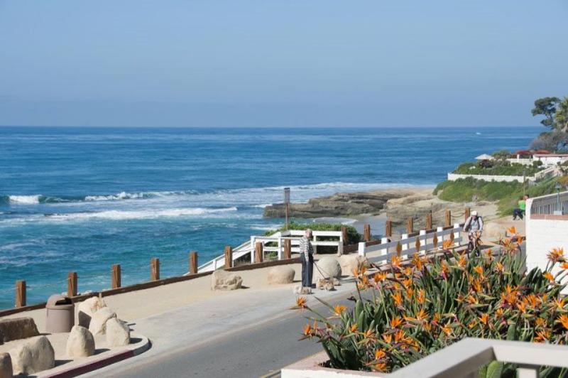 Oceanfront home w/ balcony & views of the Windansea surf! - Image 1 - La Jolla - rentals