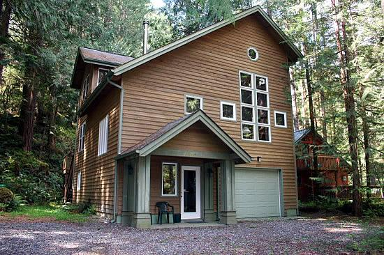 Front of the house - 51SL Executive Style Cabin with a Game Room - Glacier - rentals