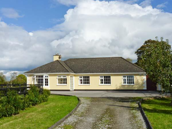 CASTLEKEVIN HOUSE, hot tub, en-suite facilities, child-friendly, ground floor cottage near Mallow, Ref. 21971 - Image 1 - Mallow - rentals