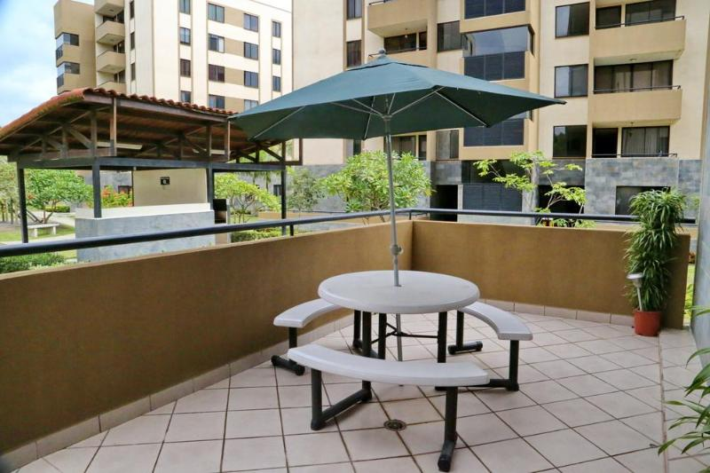What a safe feeling, and great weather for eating outdoors on your personal patio! - Alegro Premium Vacation Condo: Santa Ana / Airport - San Jose - rentals
