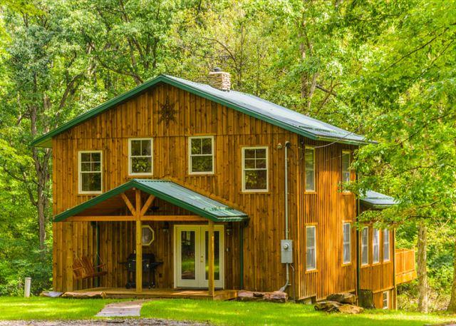 OVR's Lodge on Stony Creek! Warm and authentic MOUNTAIN LODGE! Hot Tub! - Image 1 - Farmington - rentals