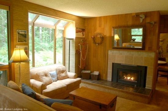 84SW - 84SW Large Condo with Sauna and Soaker Tub - Glacier - rentals