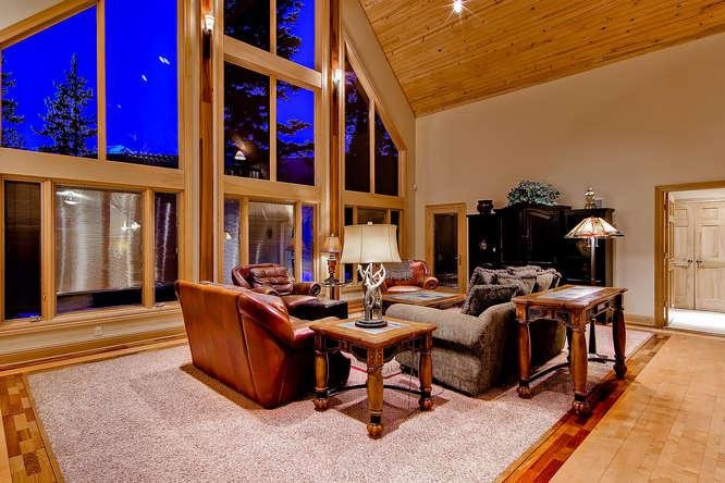 White Bear Lodge - Private hot tub, pool table! - Image 1 - Breckenridge - rentals