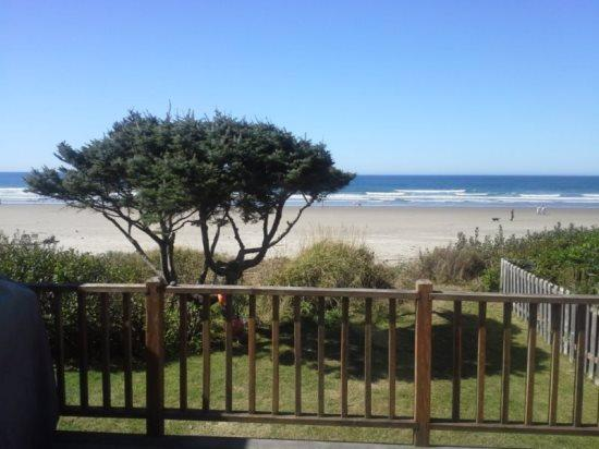 Purdy House is a pet friendly ocean front home with a great fireplace 3 bedroom 1 bath sleeps 8 - 71361 - Image 1 - Cannon Beach - rentals