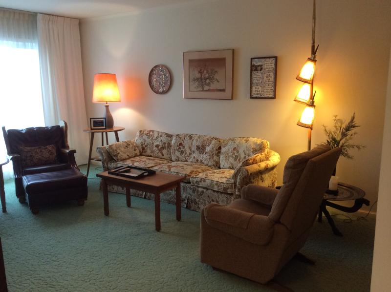 Bright, comfortable living room - Cozy SF Retreat with Free WiFi and Inside Parking - San Francisco - rentals