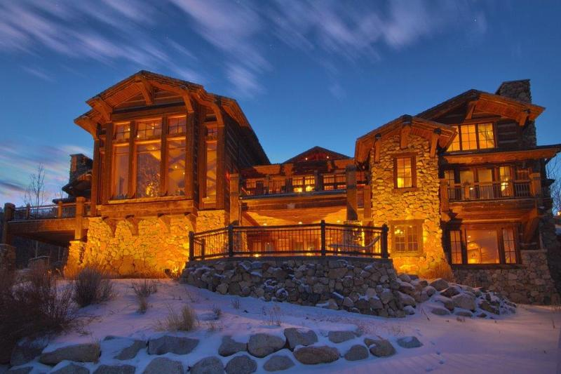 Exterior of the mansion from Deer Valley's Jordanelle ski run - Deer Valley Majestic Mansion (ski-in/ski-out) - Park City - rentals
