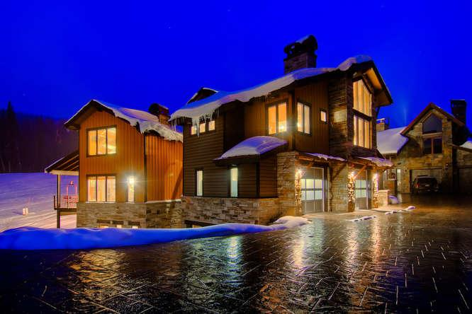 The Warming Hut - true ski in/out, hot tub - Image 1 - Copper Mountain - rentals