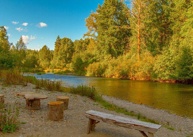Yakima River - Unique Riverside Escape nestled on 5 acres with 4BR and 3.5BA! FREE Nights! - Cle Elum - rentals