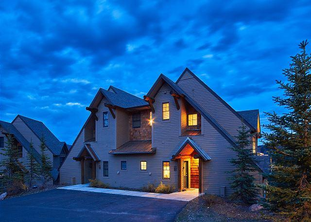 Escape to Big Sky in this End Unit Saddle Ridge Townhome - Image 1 - Big Sky - rentals