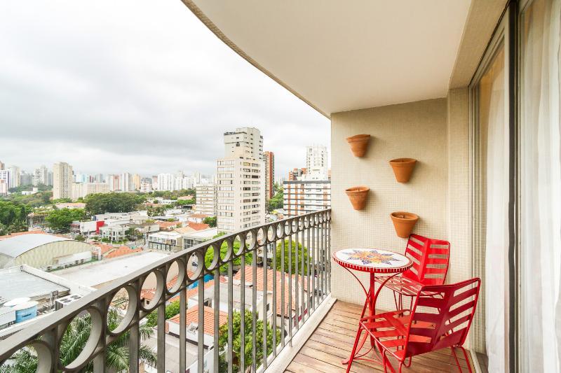 Charming 1 Bedroom Apartment in Moema - Image 1 - Sao Paulo - rentals