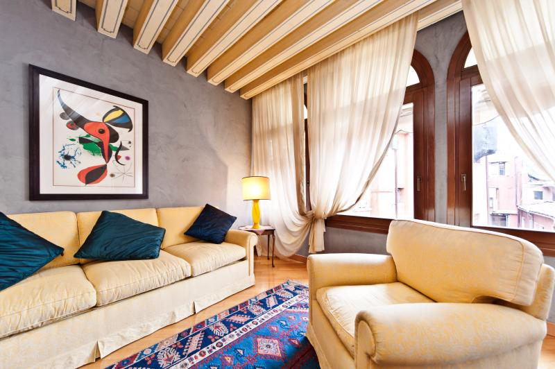 livingroom - FENICE  TREATRE LUXURY SUITE - City of Venice - rentals