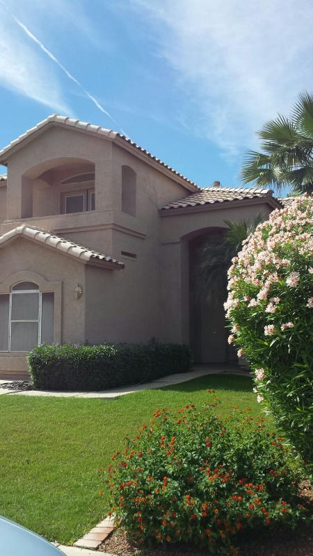 Beautiful 5 bedroom 4 bathroom 4,600 square foot home with a private swimming pool - Golf Course Lot - Image 1 - Gilbert - rentals