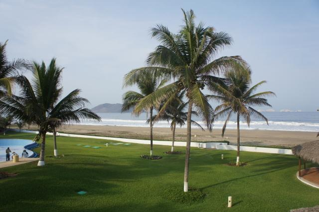 view from the master balcony - 1800sf Beachfront villa Playa Blanca Zihuatanejo - Zihuatanejo - rentals