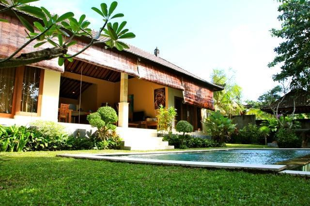 Villa and Pool view - Maria, Luxury 2 Bedroom Villa, Umalas, 10 Min to Seminyak - Seminyak - rentals