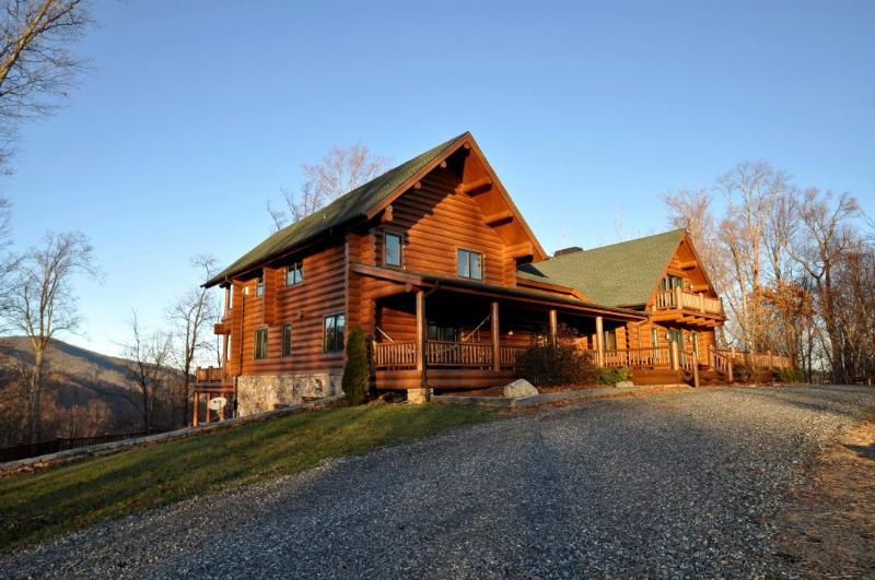 Tranquility Lodge ~ Exterior - Tranquility Lodge - Hot Springs - rentals