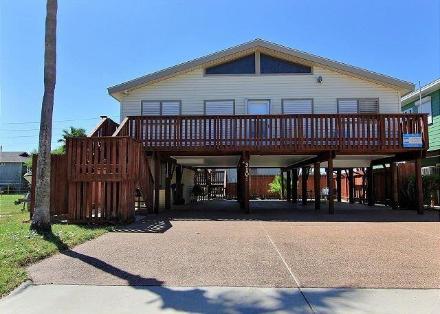 Stilts is a 2/2 home right in the heart of Port A! Short drive to the beach! - Image 1 - Port Aransas - rentals