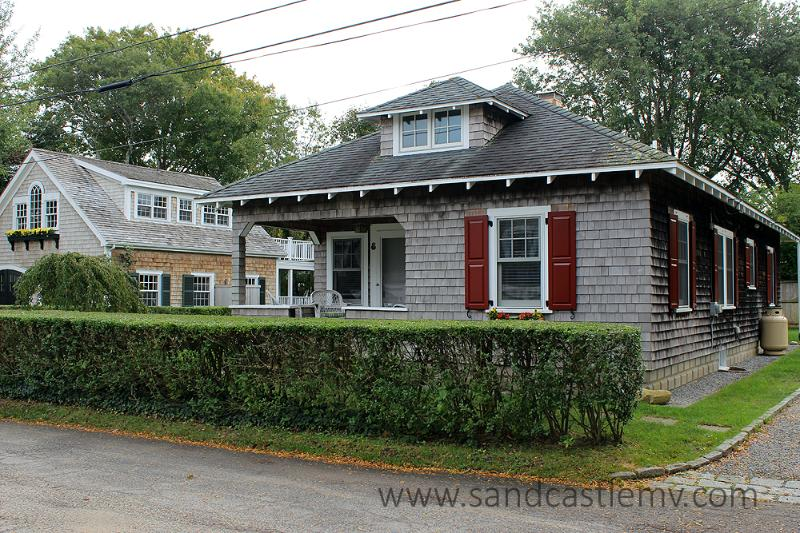 459 - Wonderful Bungalow with Beautiful Outdoor Patio - Image 1 - Edgartown - rentals
