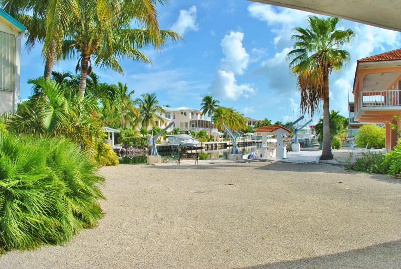 135 Gulfview Dr - 28 Night Minimum!!!! - Image 1 - Islamorada - rentals