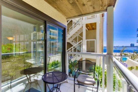 Pattys Riviera Villas Condo - Balcony with bay view. - Patty's Riviera Villas Condo on Sail Bay - Pacific Beach - rentals